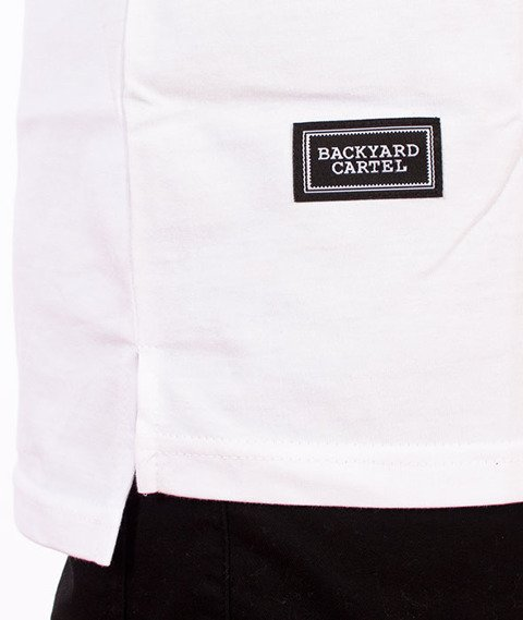 Backyard Cartel-Slant T-Shirt Biały