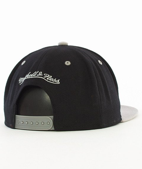 Mitchell & Ness-2 Tone Team Brooklyn Nets Snapback NA80Z