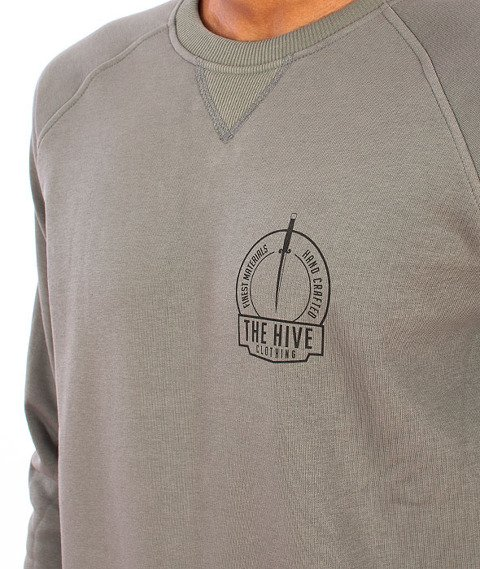 The Hive-Coven Crewneck Olive