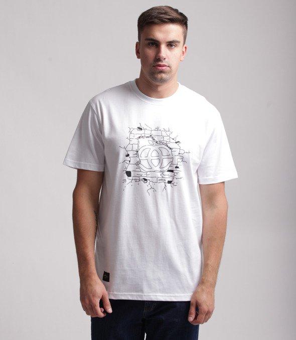 Elade Destroyed Wall T-Shirt Biały