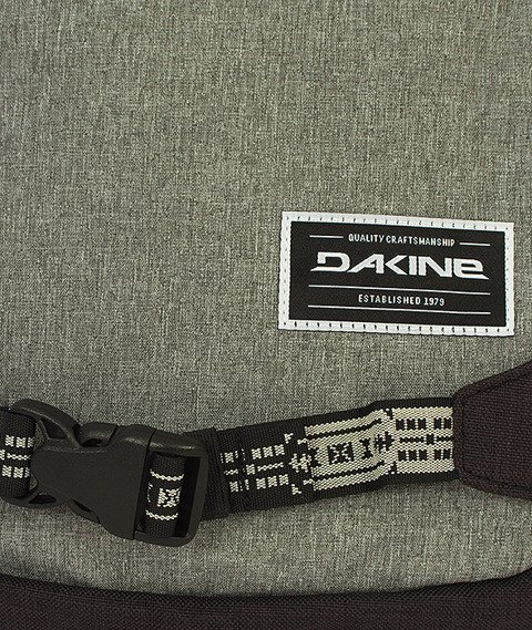 Dakine-Explorer 26L Backpack Sellwood