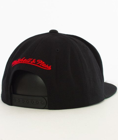 Mitchell & Ness-Atlanta Hawks Wool Solid Snapback NL99Z Black