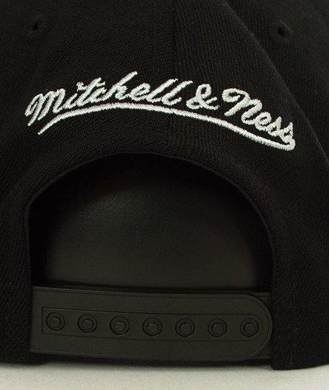 Mitchell & Ness-Brooklyn Nets INTL149 Courtside 2 110 SB Czapka INTL149