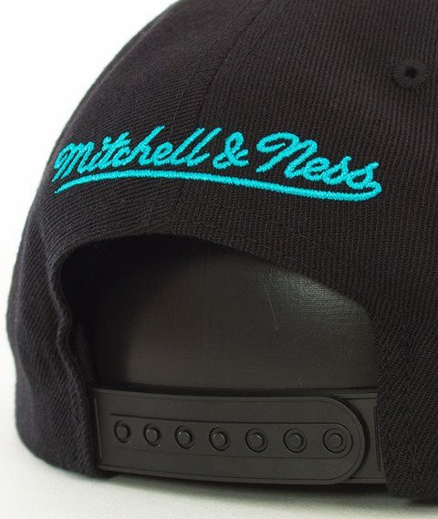 Mitchell & Ness-Charlotte Hornets Wool Solid SB INTL225