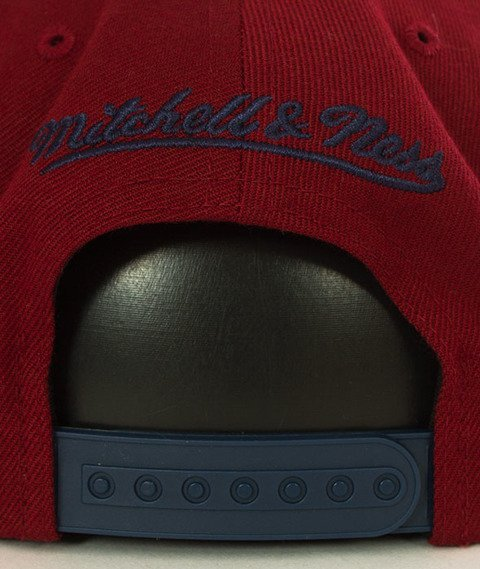 Mitchell & Ness-Cleveland Cavaliers XL Logo Two Tone NM04Z