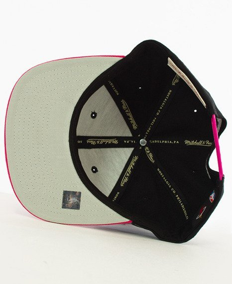 Mitchell & Ness-Miami Heat Snapback EU956 Black/Pink