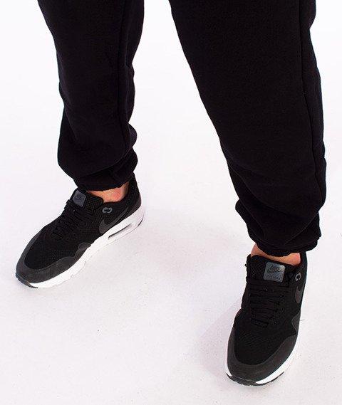 Unhuman-Classic Jogger Slim Spodnie Dresowe Czarne